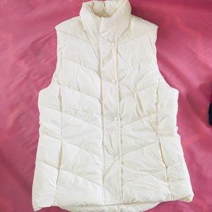 Gap White Puffer Vest Size M Zip Up Button Puff